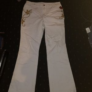 DG2 White Embroidered Jeans 12 NWT